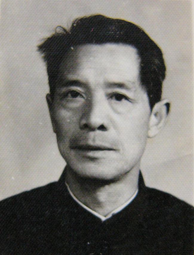 朱滄平校長(任期:1984年10月至1993年7月).jpg