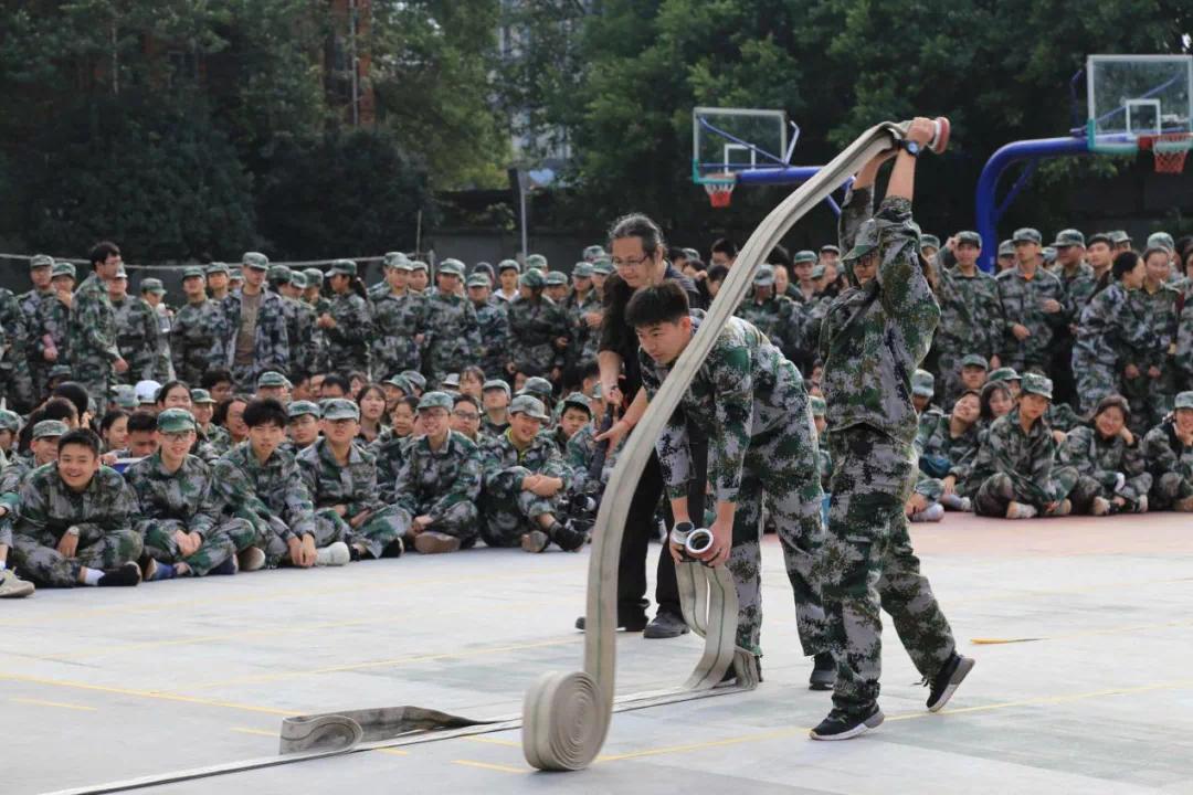 軍訓消防5.PNG